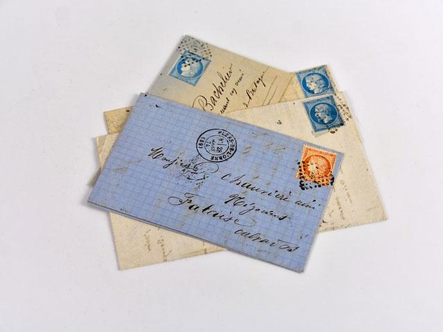 複数の手紙の画像