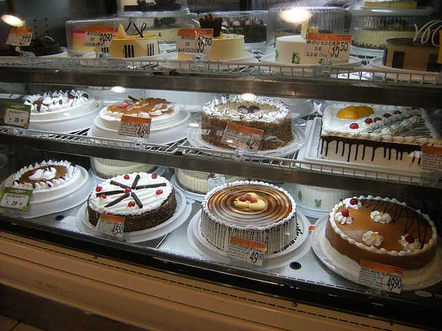 ショーケースのケーキ